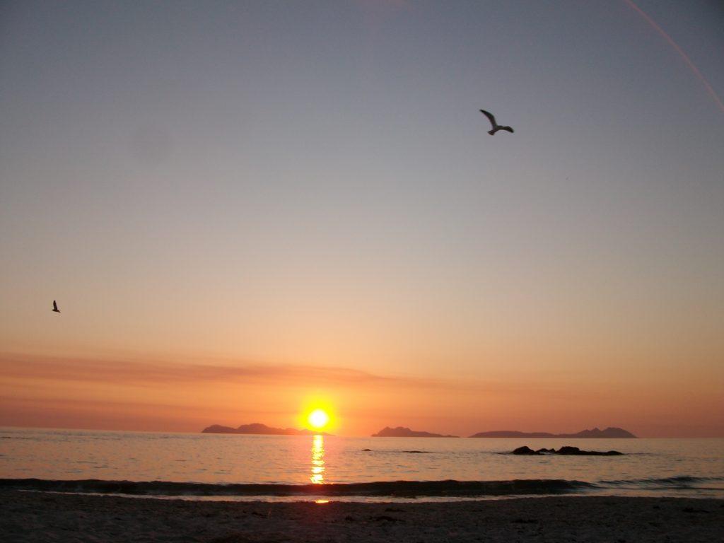 Atardecer con vista a las Islas Cíes
